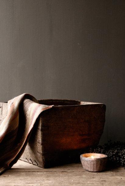 Schönes Original gebrauchter alter hölzerner Sä- / Reisbehälter