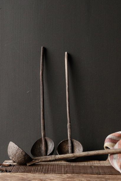 Oude  Nepalese lepel   van cocos met bamboe steel