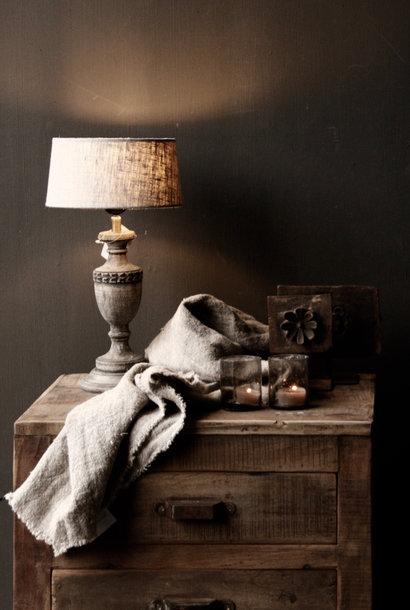 Niedliches kleines dunkelgrau / braunes Holzlicht