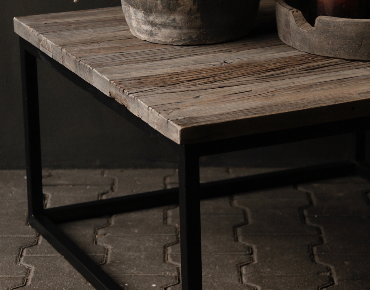 square coffee table made from old wood-4