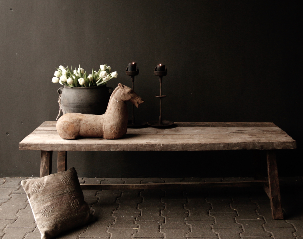Coffee table made from old wood-2