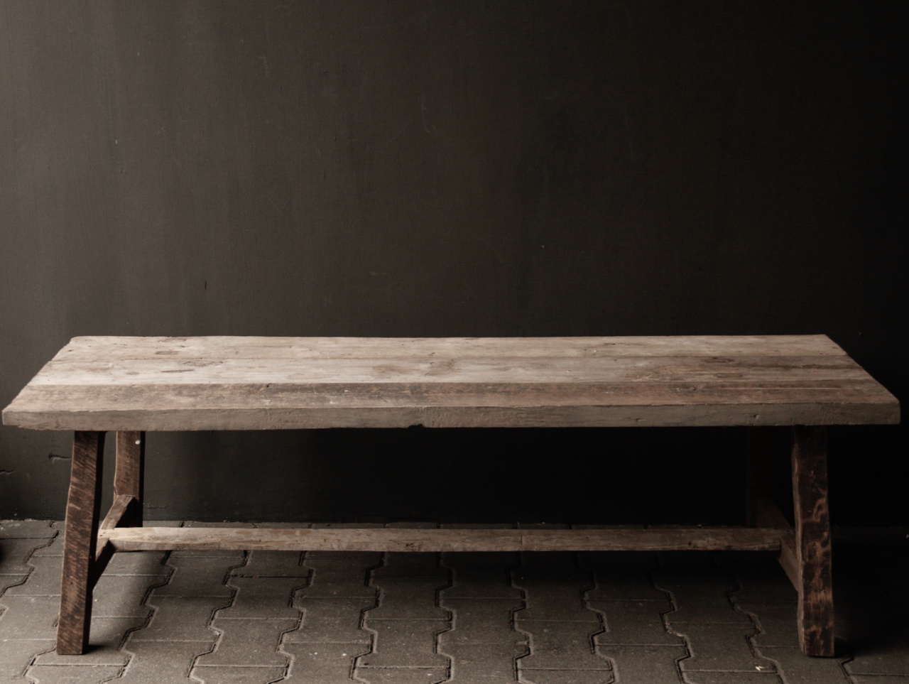 Coffee table made from old wood-6