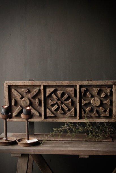 Prachtig Oud houten steenmal /raammal  op ijzeren voet