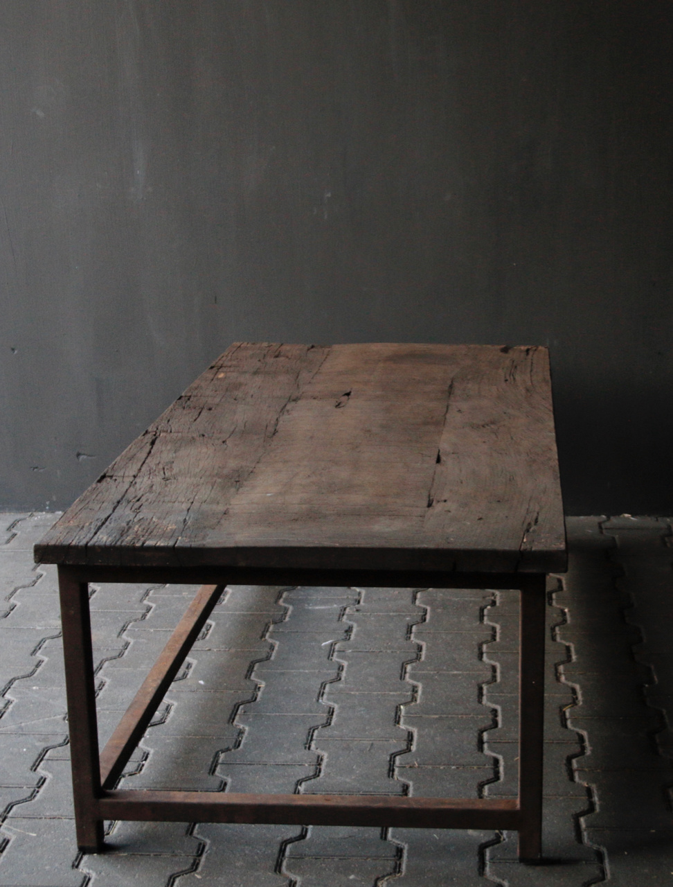 Dark wooden coffee table with iron rusty frame-6