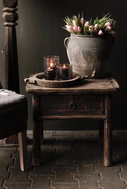Oud Authentiek houten  tafeltje  met een lade