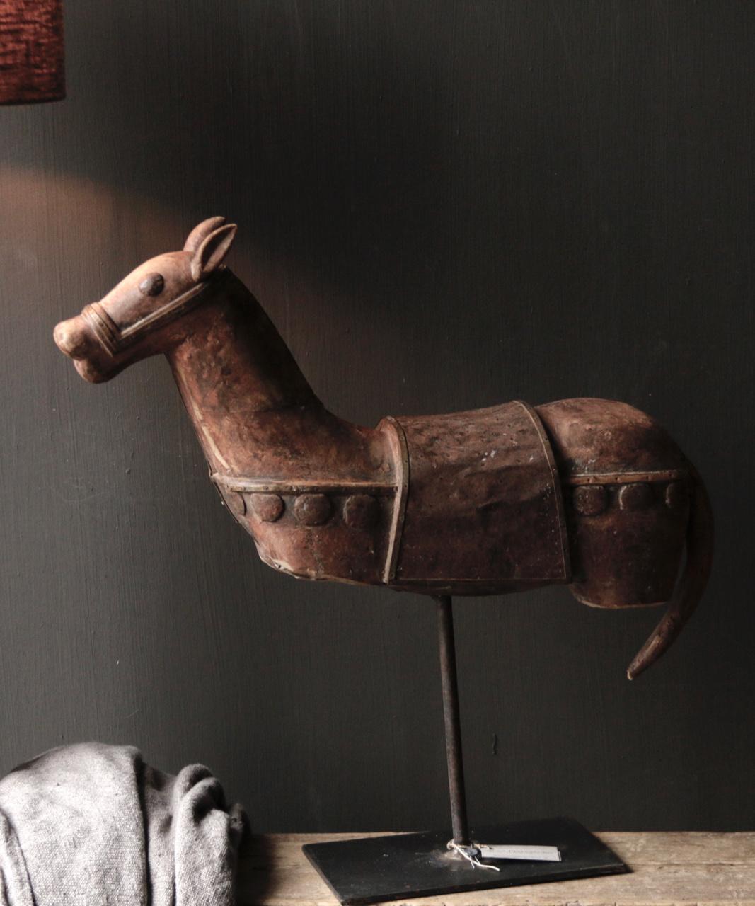 Prachtig Uniek Antiek houten paard op ijzeren standaard-7