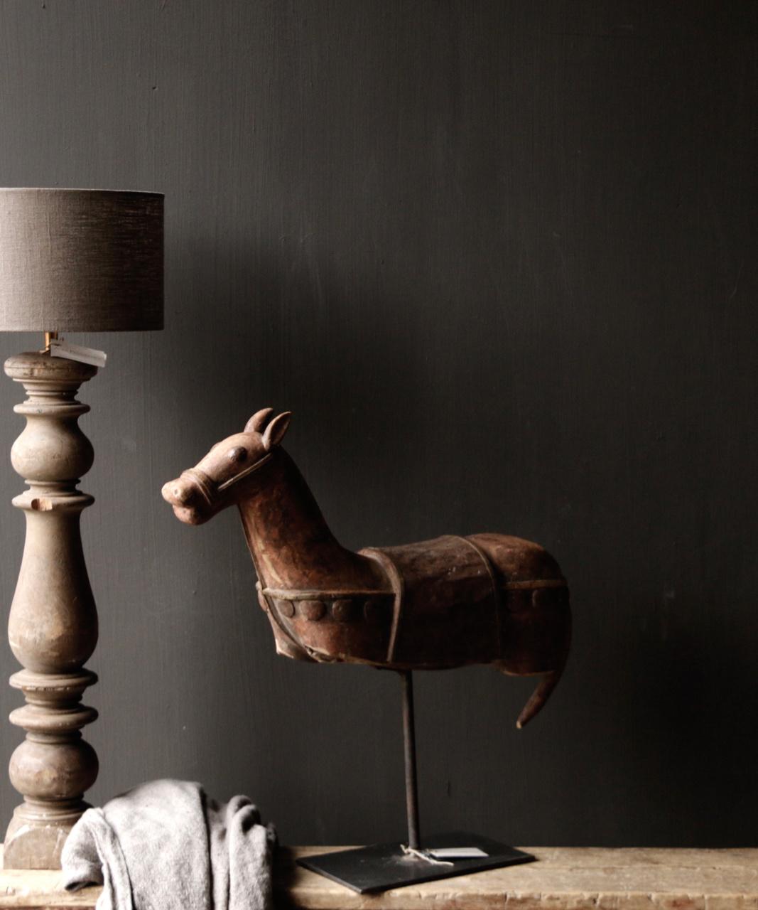Prachtig Uniek Antiek houten paard op ijzeren standaard-1