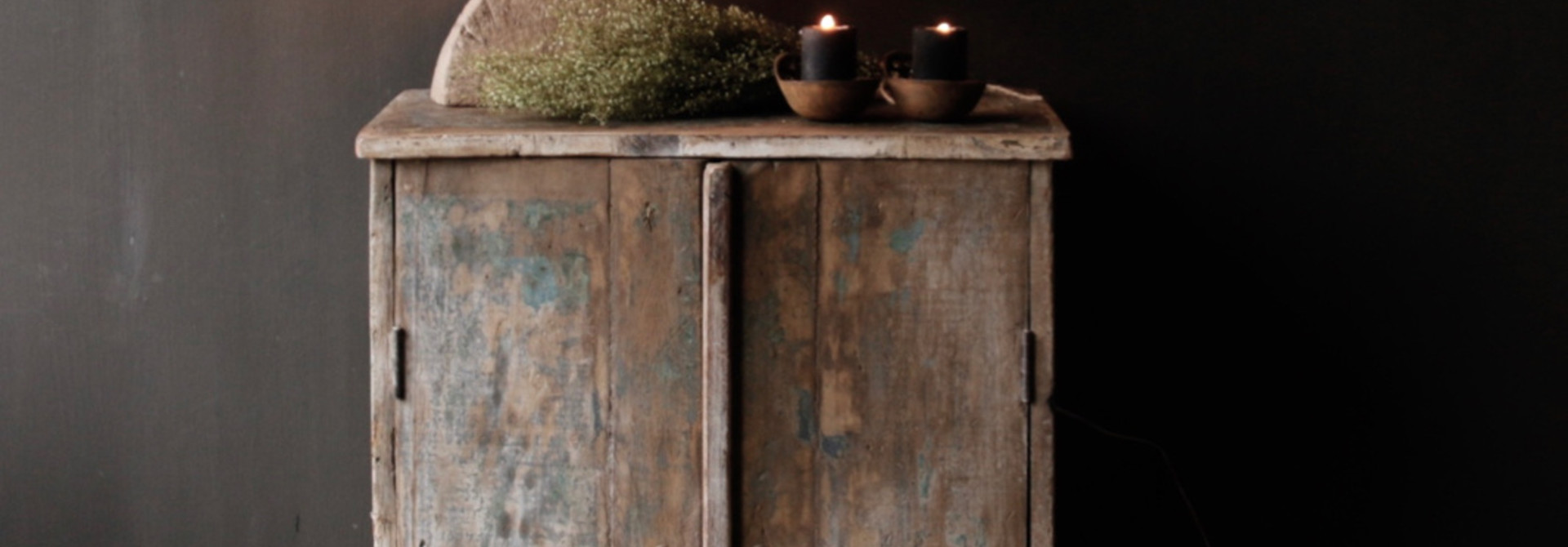 Small Indian cupboard from Aura Peeperkorn