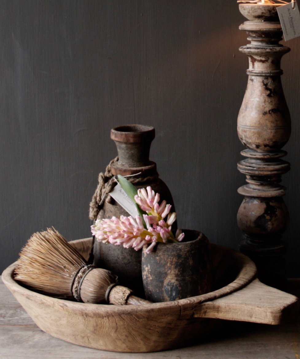 Old wooden Nepalese Jar with plug-1