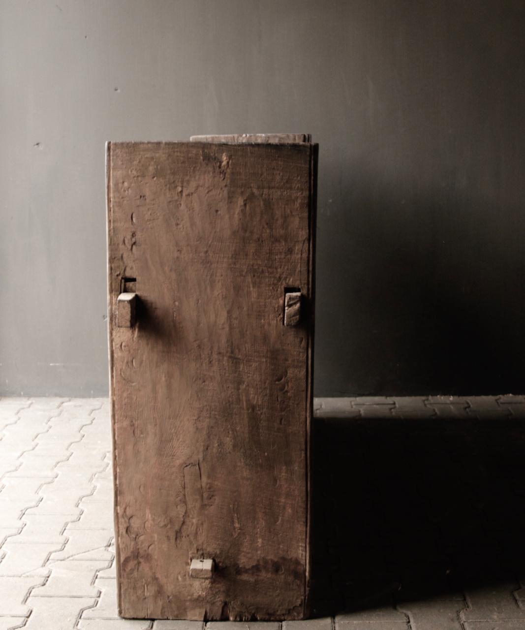Tough old Himalayan box / box-3