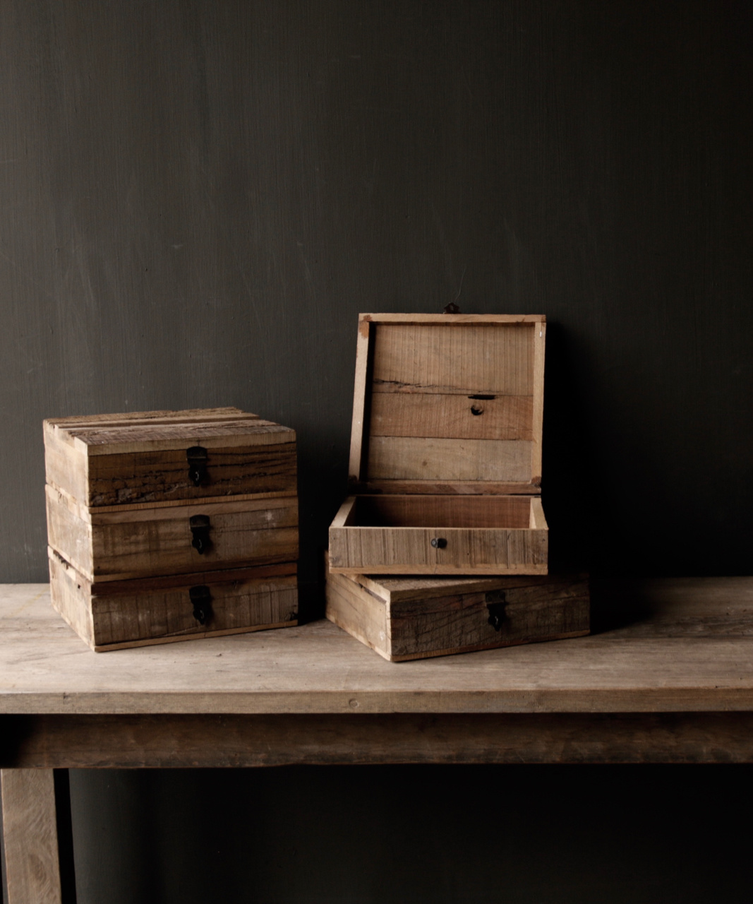 Robust driftwood wooden box-1