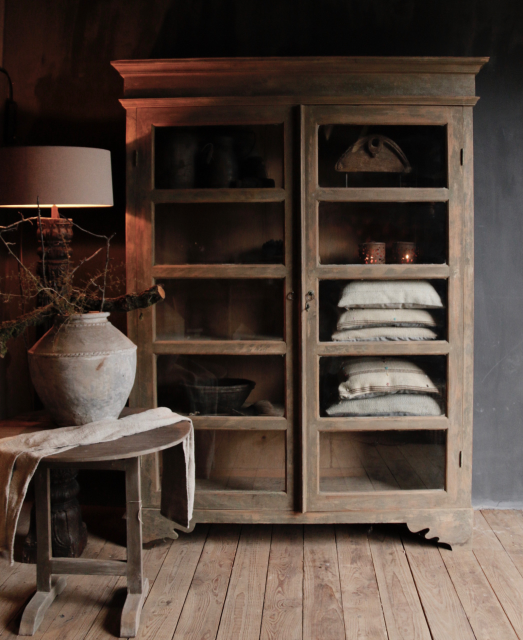Tough wooden display cabinet-1