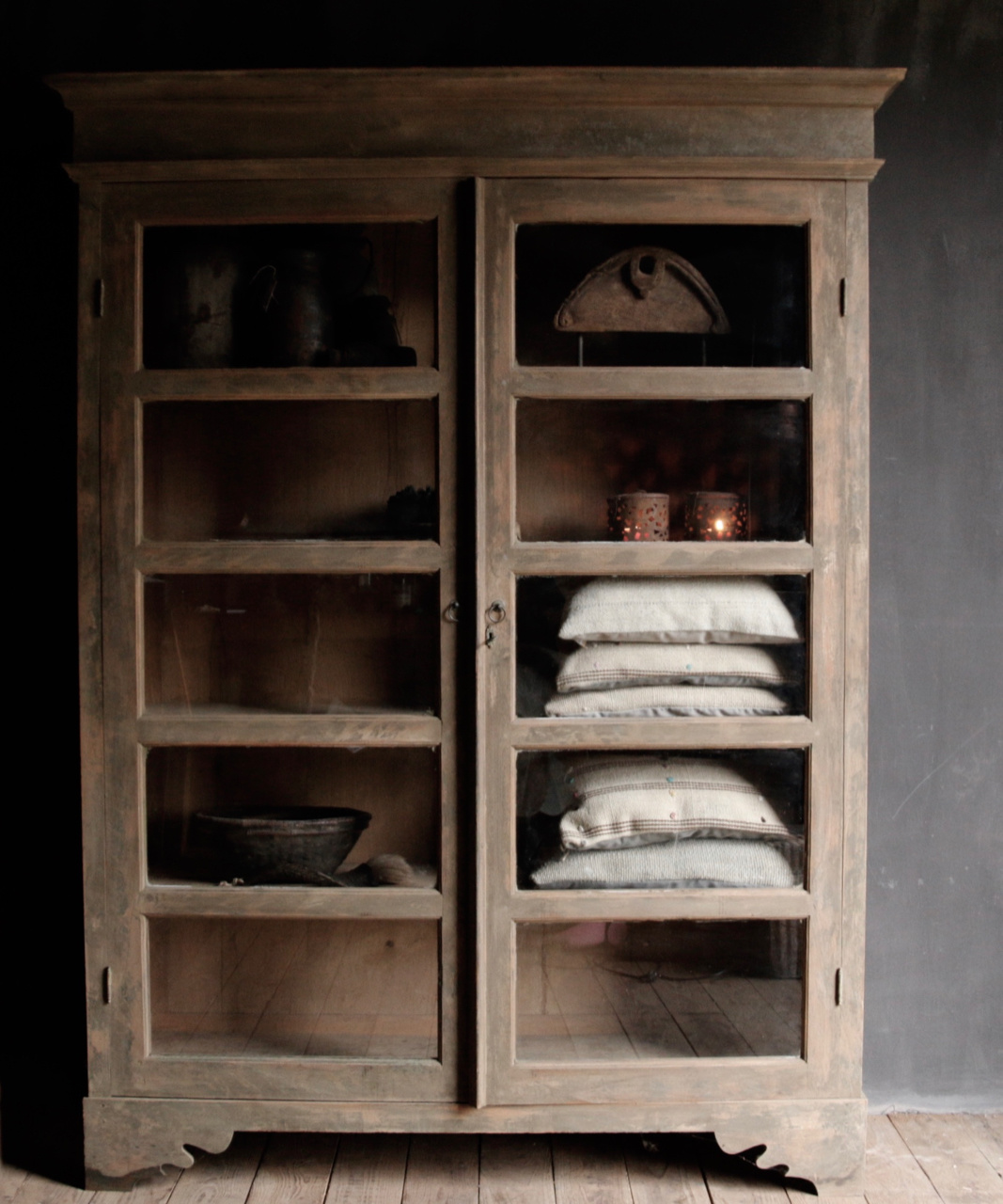 Tough wooden display cabinet-2