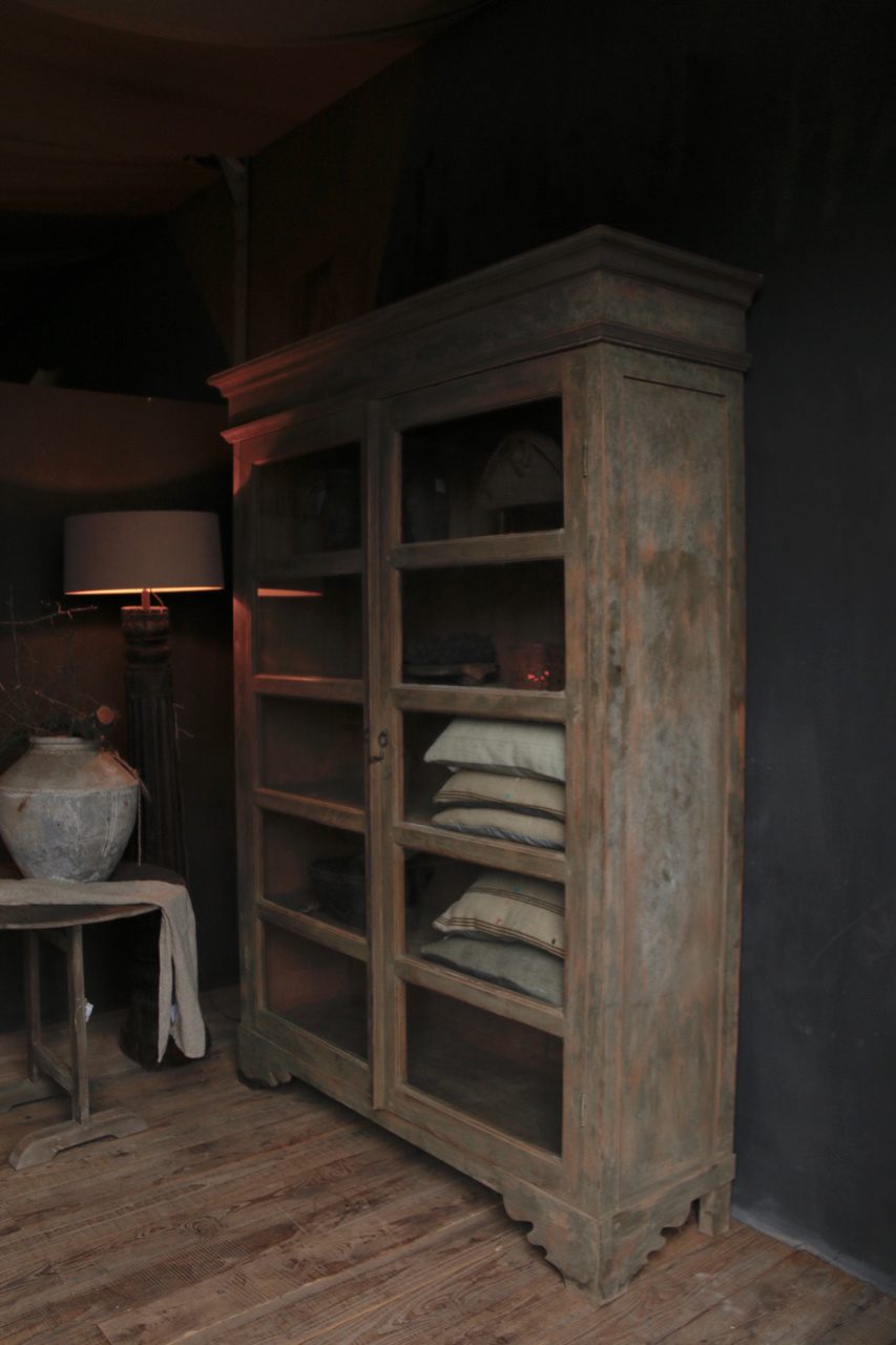 Tough wooden display cabinet-3