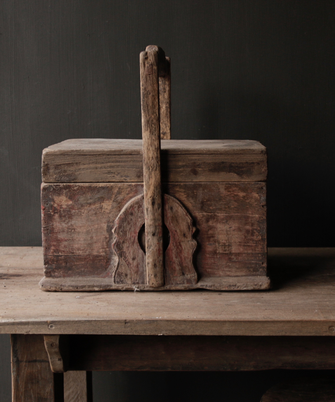 Oude houten food cover-6