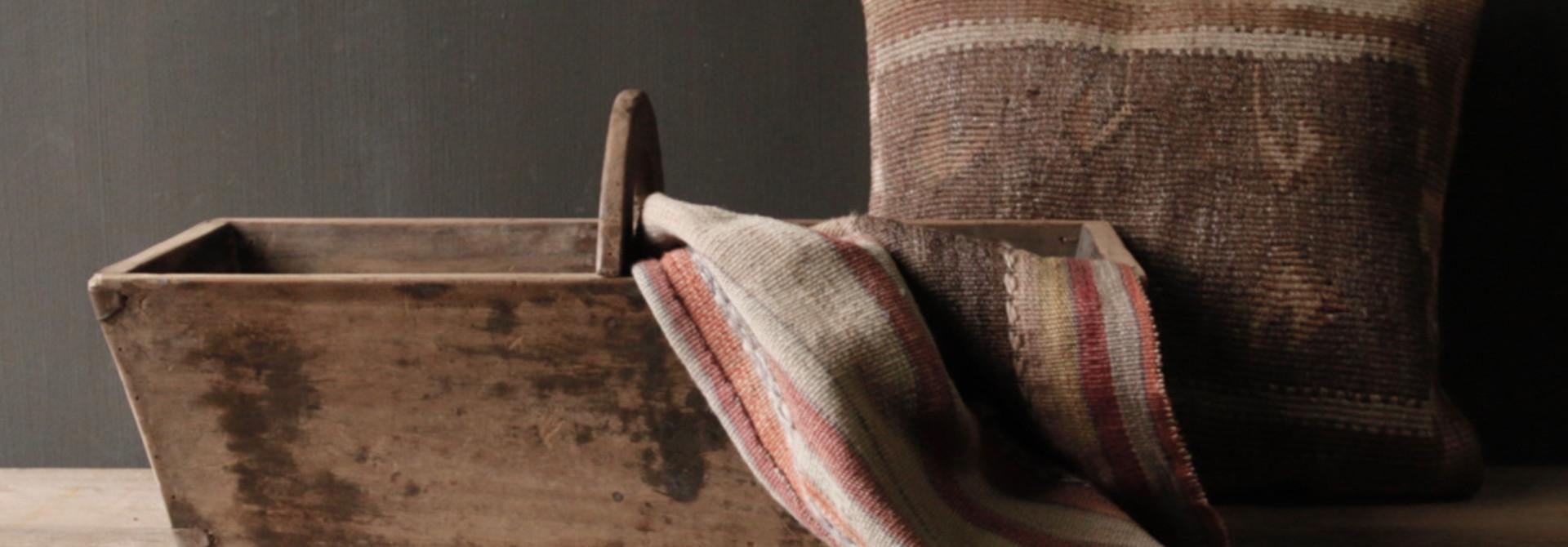 Zaaibak gemaakt van oud hout