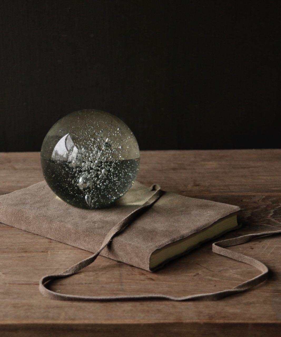 Glazen presse paper ball-1