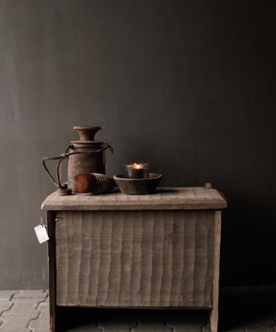 Stoere oude Himalaya   Kist / Box-1