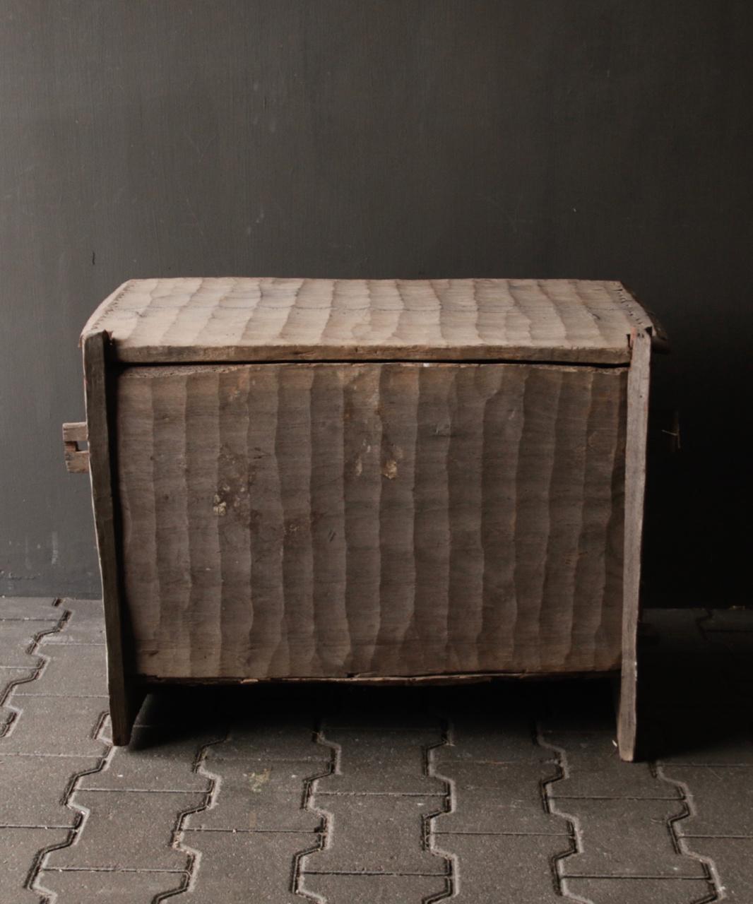 Stoere oude Himalaya   Kist / Box-4