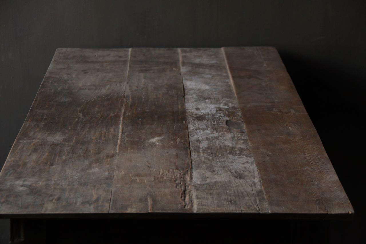 Alter authentischer Holztisch-3