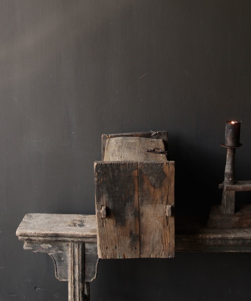 Stoer oud Himalaya   Kistje / Boxje-4