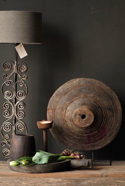 Iron curl lamp base