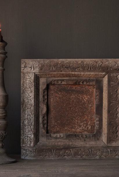 Schöne alte indische Holzluke