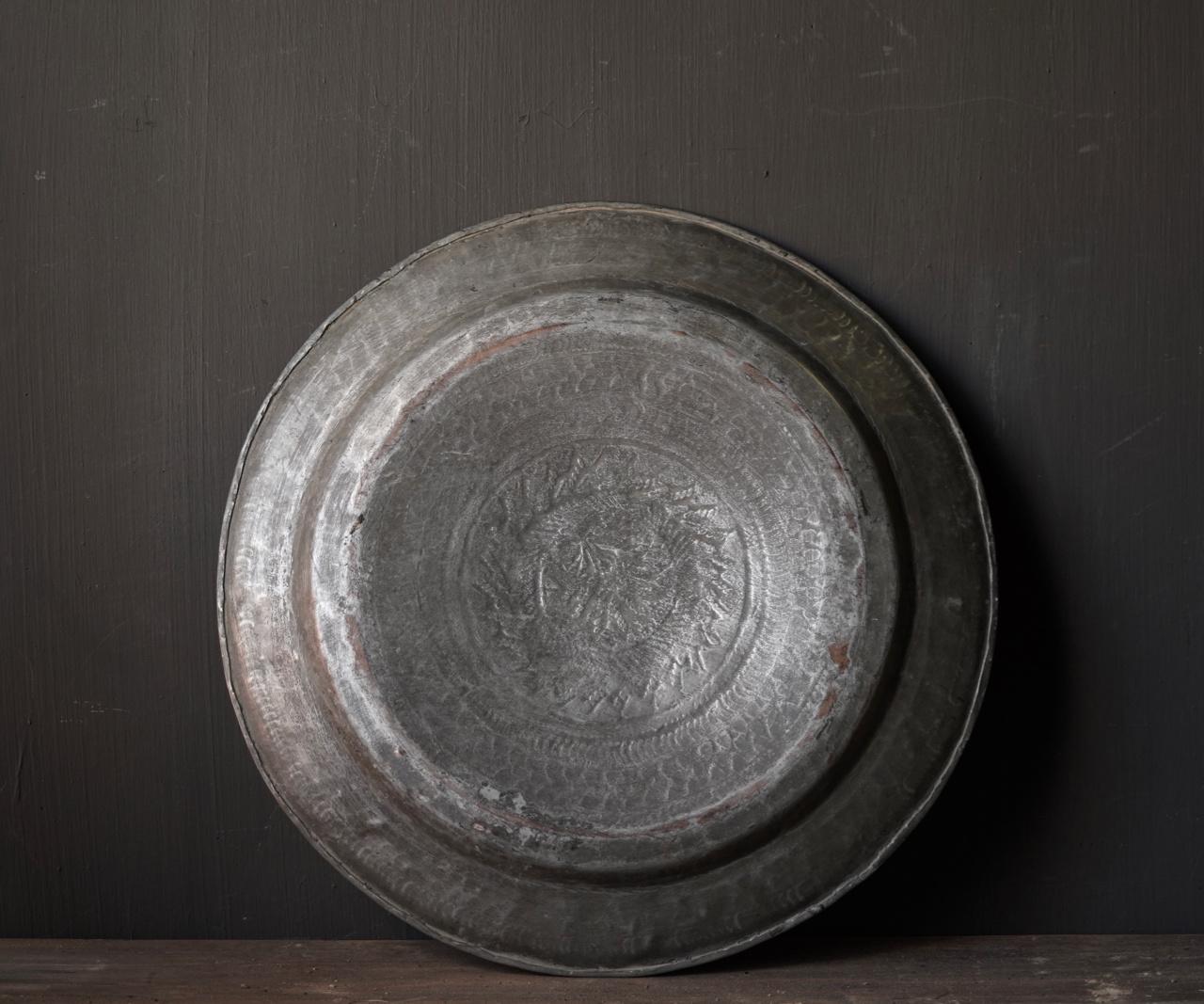 Authentiek oud Bronzen hand beslagen bord-2