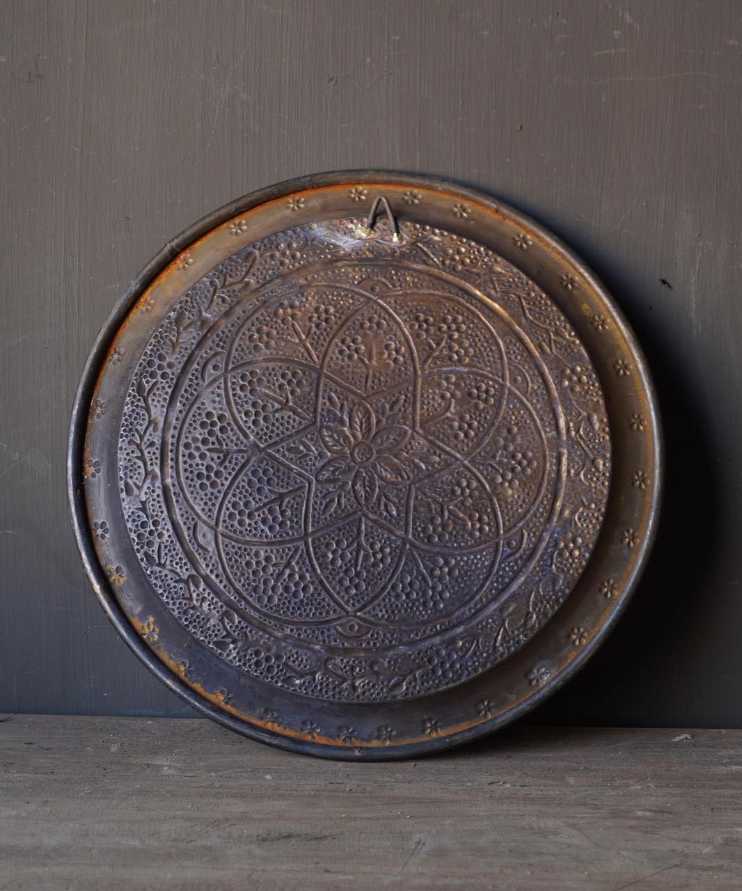 Authentiek oud Bronzen hand beslagen bord-3
