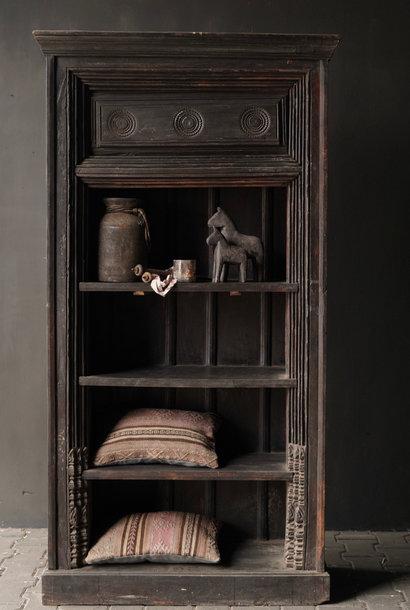 Authentischer alter schöner indischer offener Holzschrank