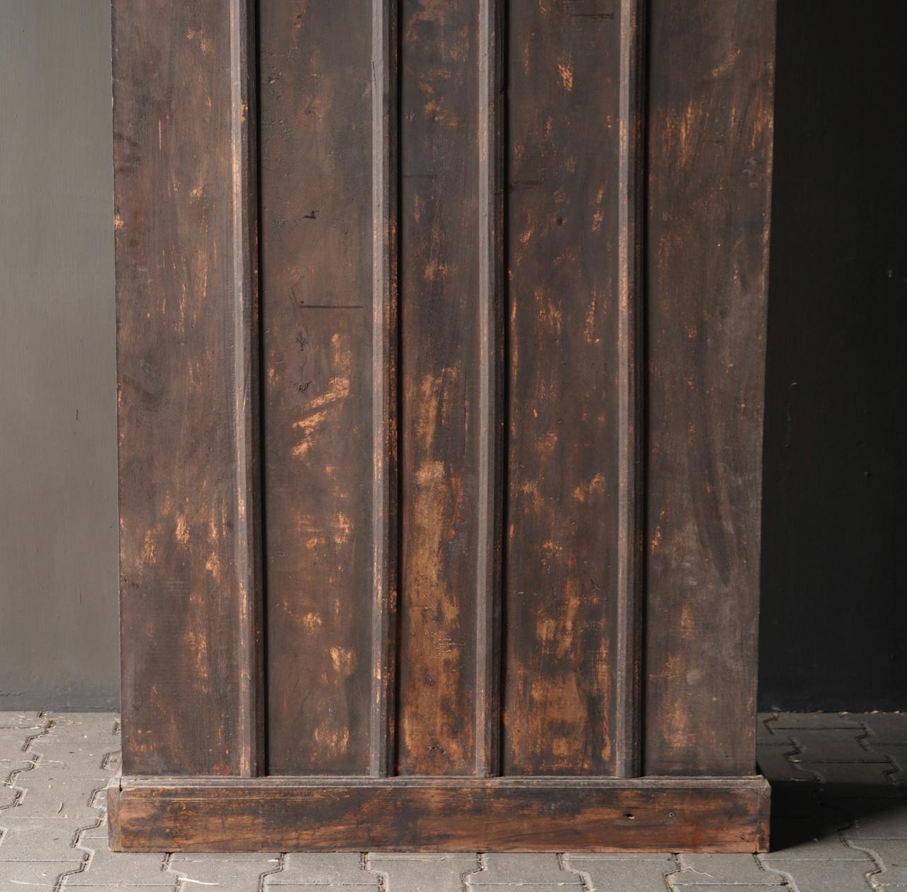 Authentischer alter schöner indischer offener Holzschrank-3