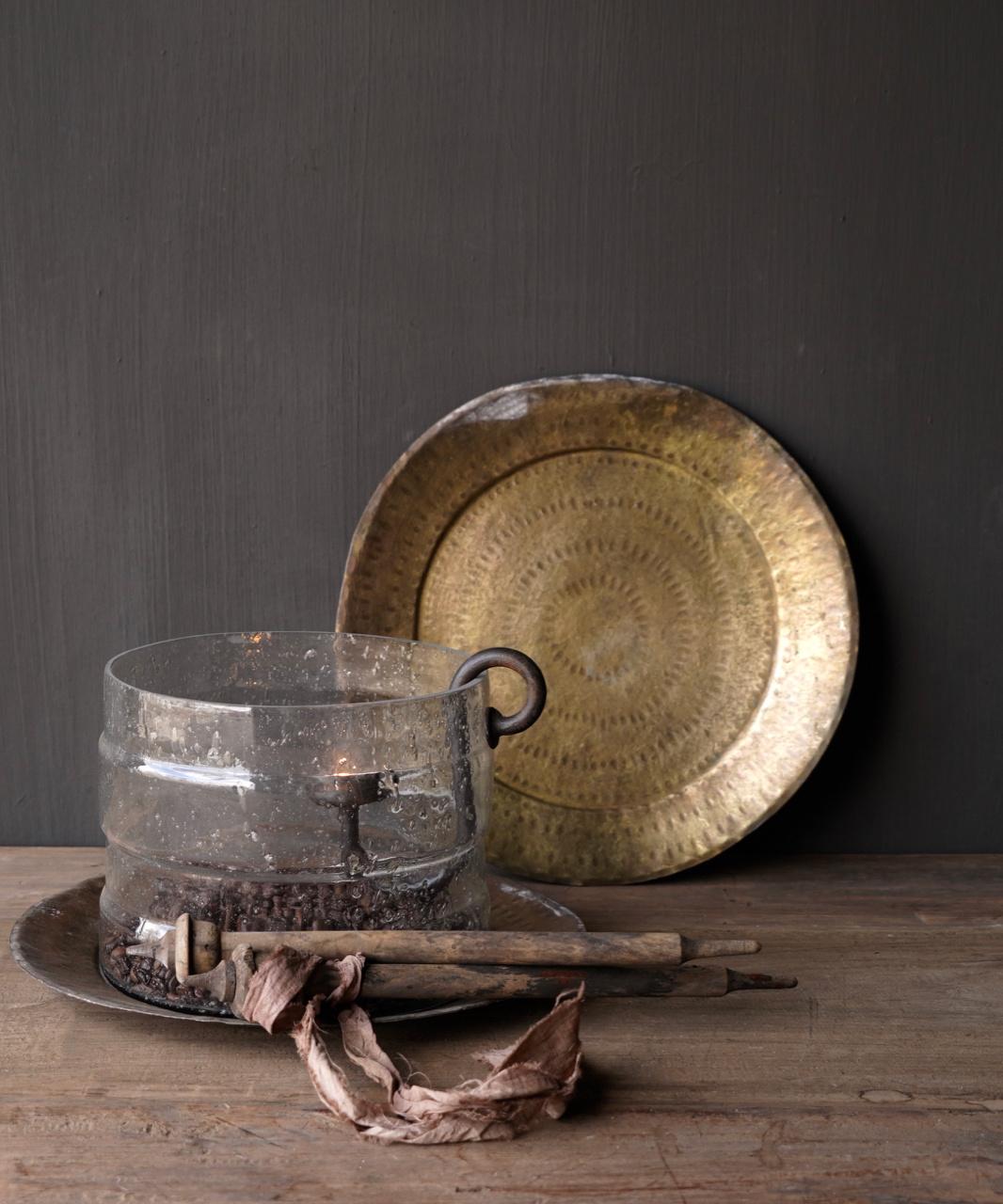 Authentiek oud Bronzen hand beslagen bord-1