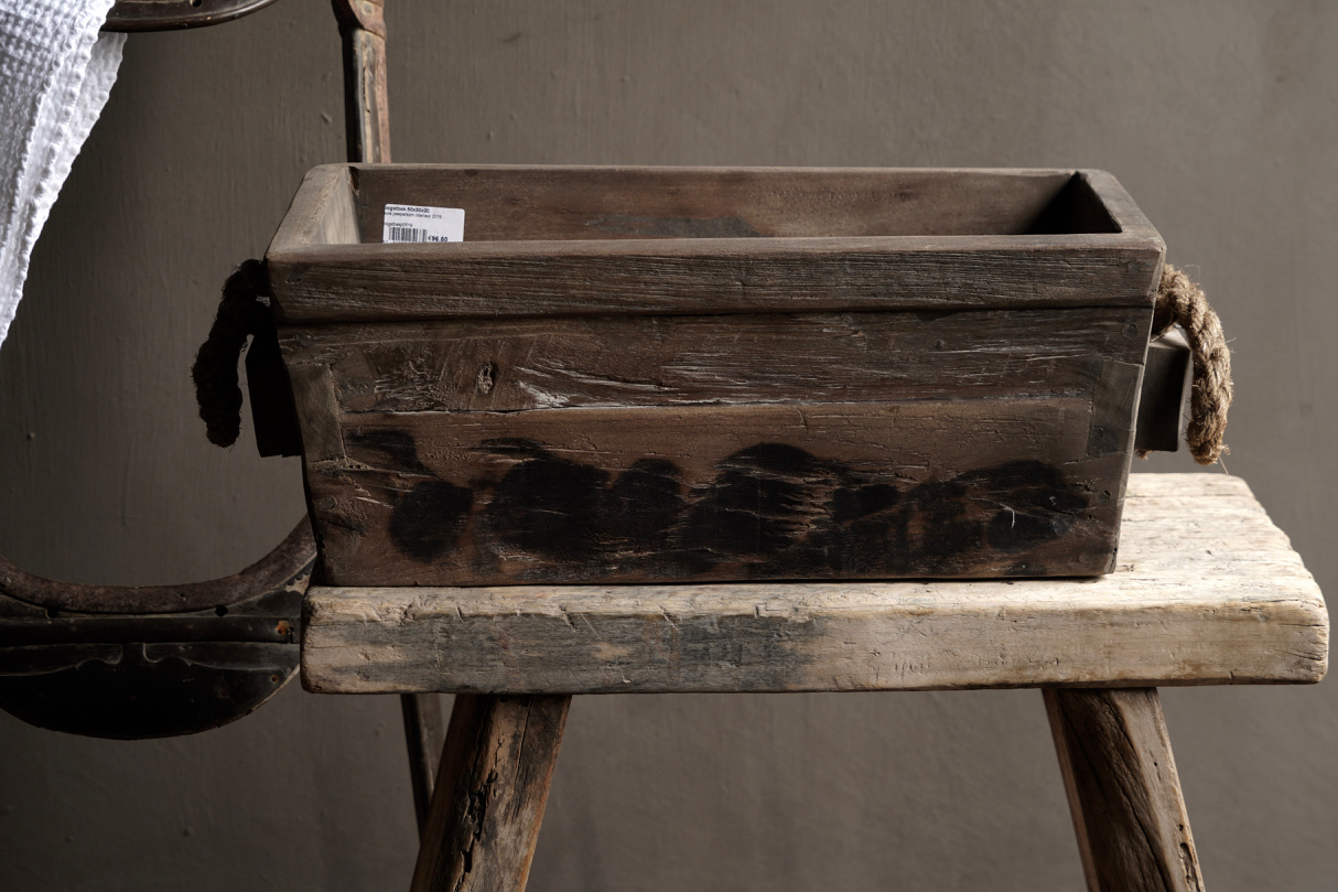 wooden trough with rope handle-2