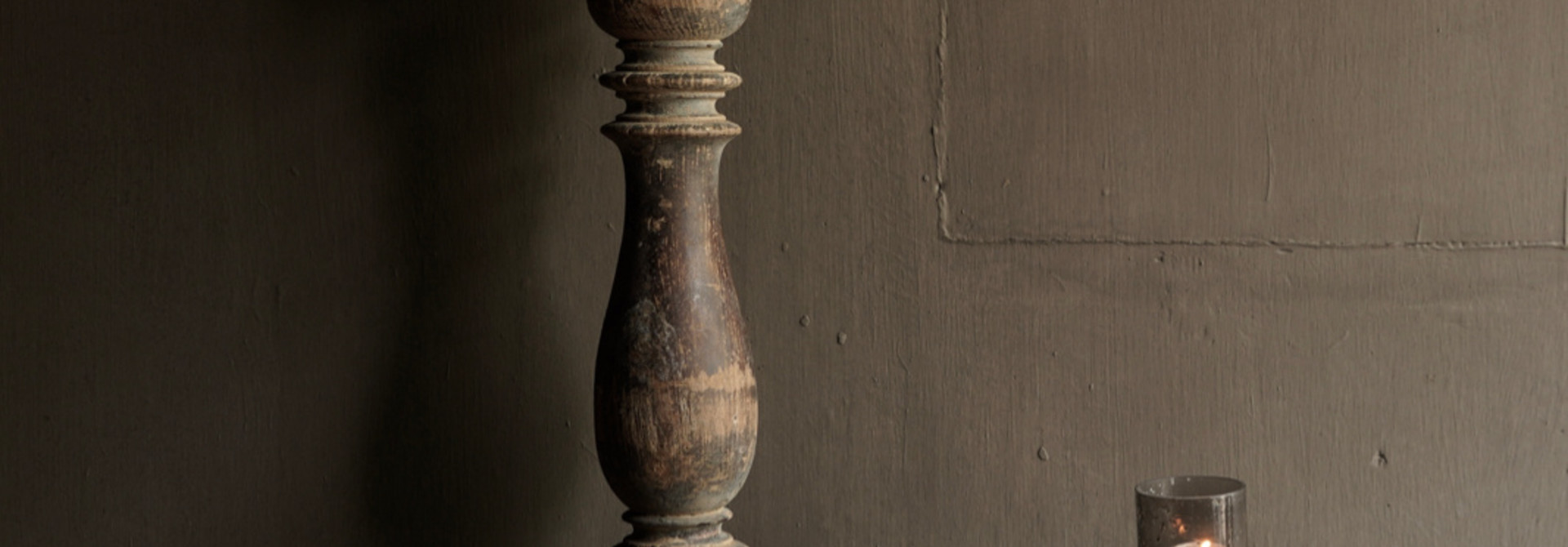 Beautiful Old Wooden Baluster lamp base