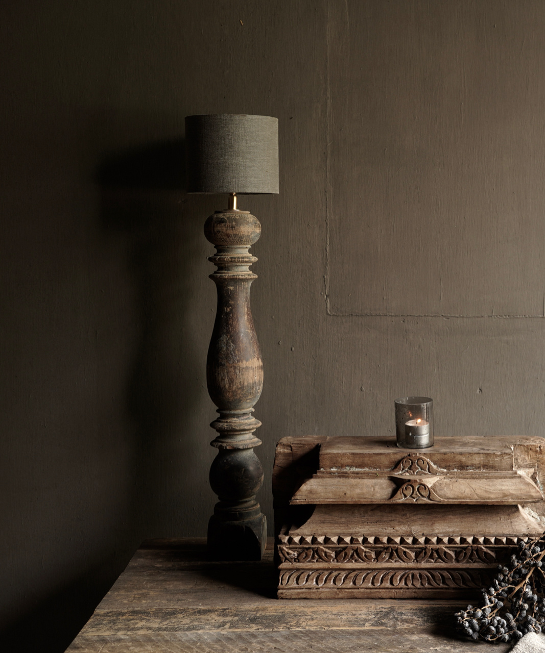 Beautiful Old Wooden Baluster lamp base-1