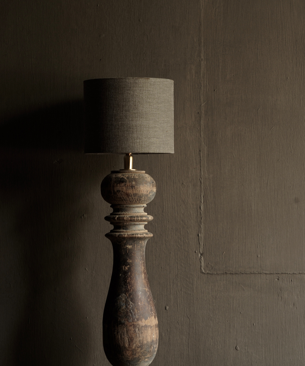 Beautiful Old Wooden Baluster lamp base-2