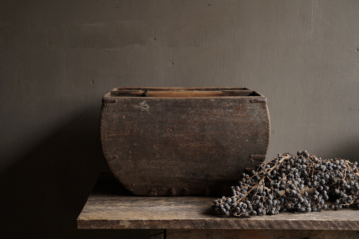 Old wooden seed / rice box-2