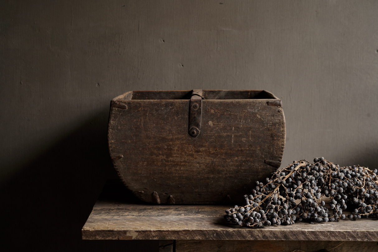 Old wooden seed / rice box-3