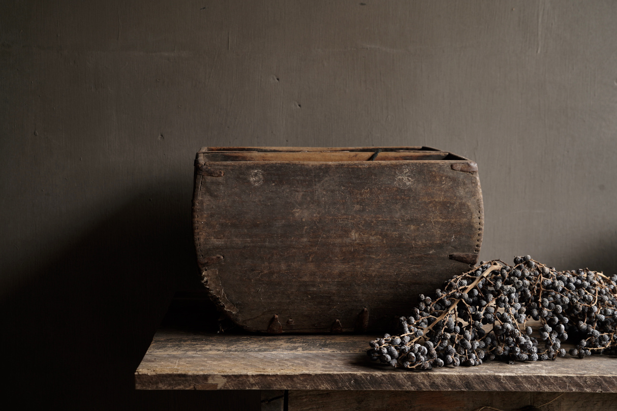 Old wooden seed / rice box-4