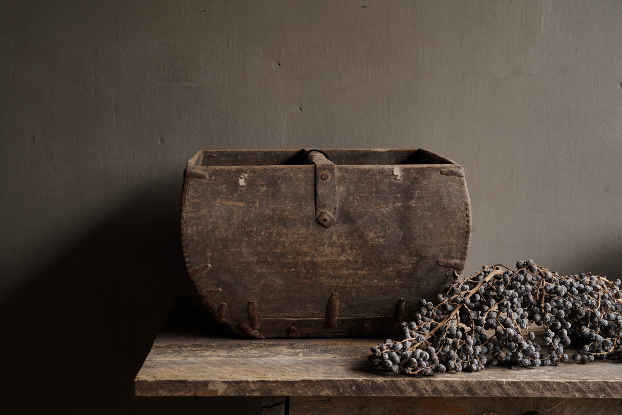 Old wooden seed / rice box-5