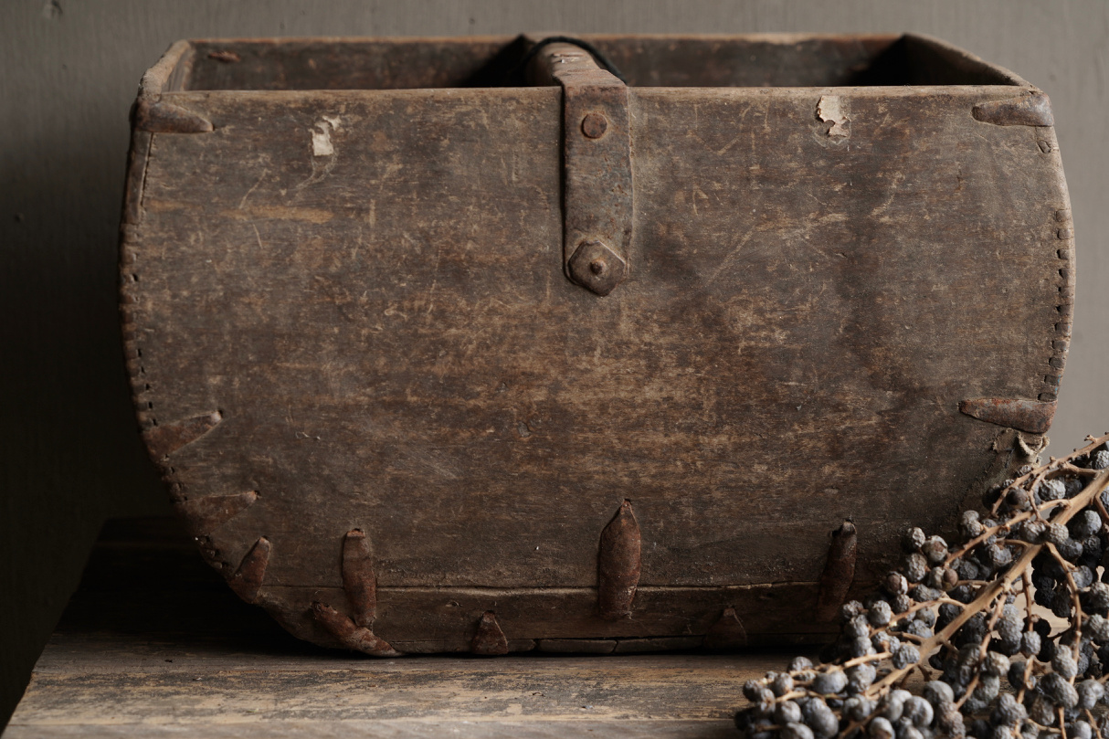 Old wooden seed / rice box-6