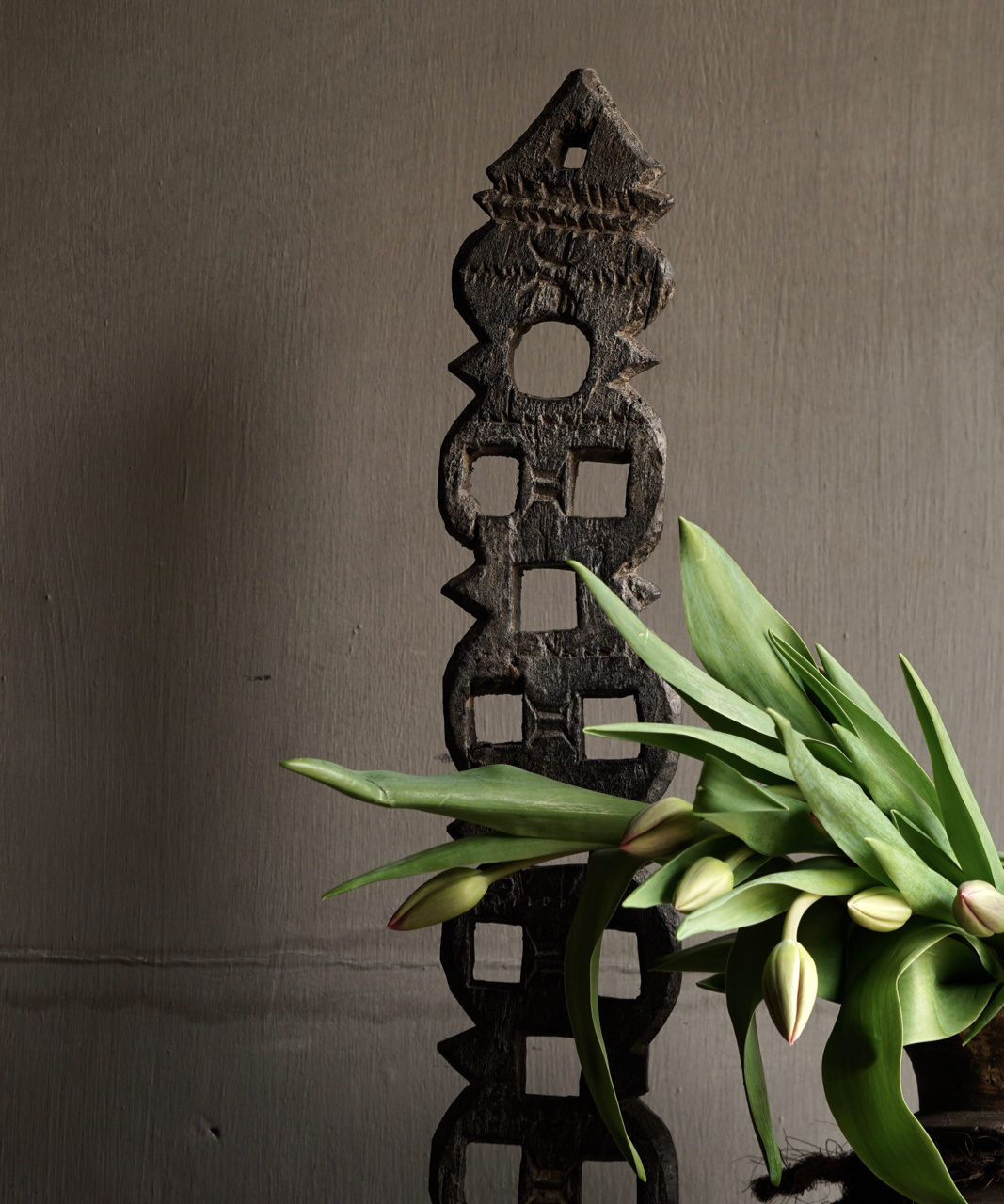Wooden ornament on iron stand-2
