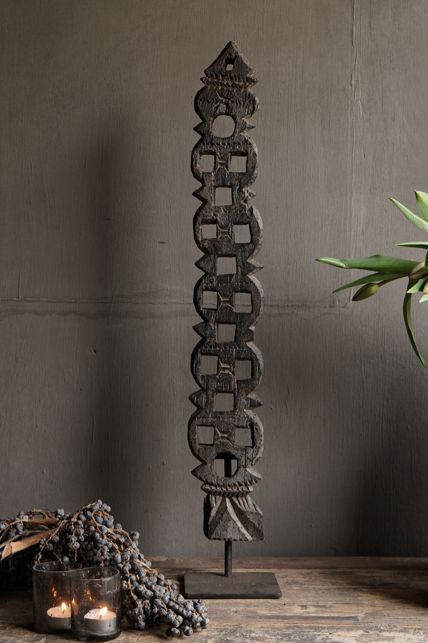 Wooden ornament on iron stand-3