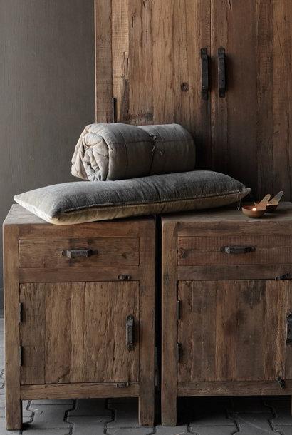 Robuust Oud houten kastje