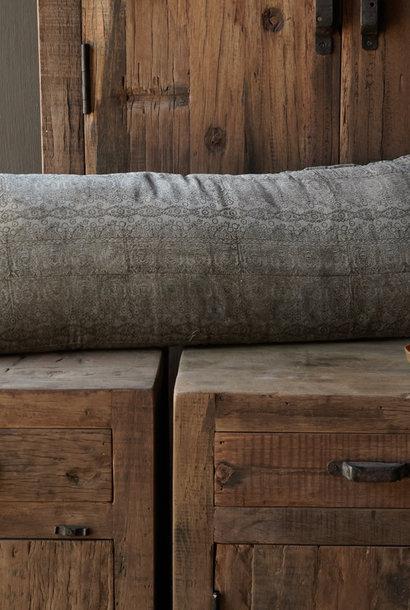 Velor, velvet cushion in the color olive
