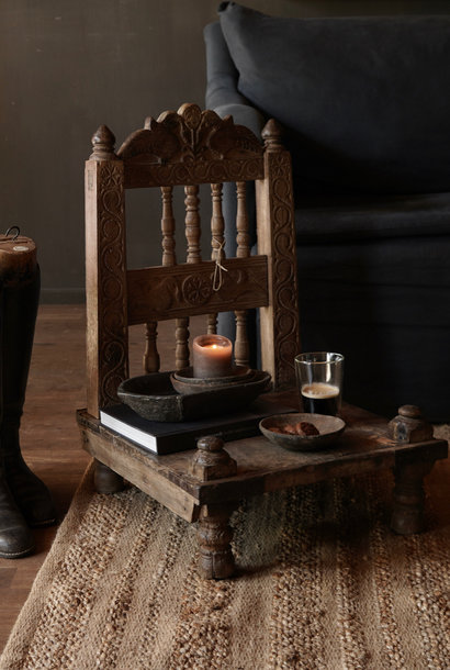 Authentiek oud Uniek laag stoeltje