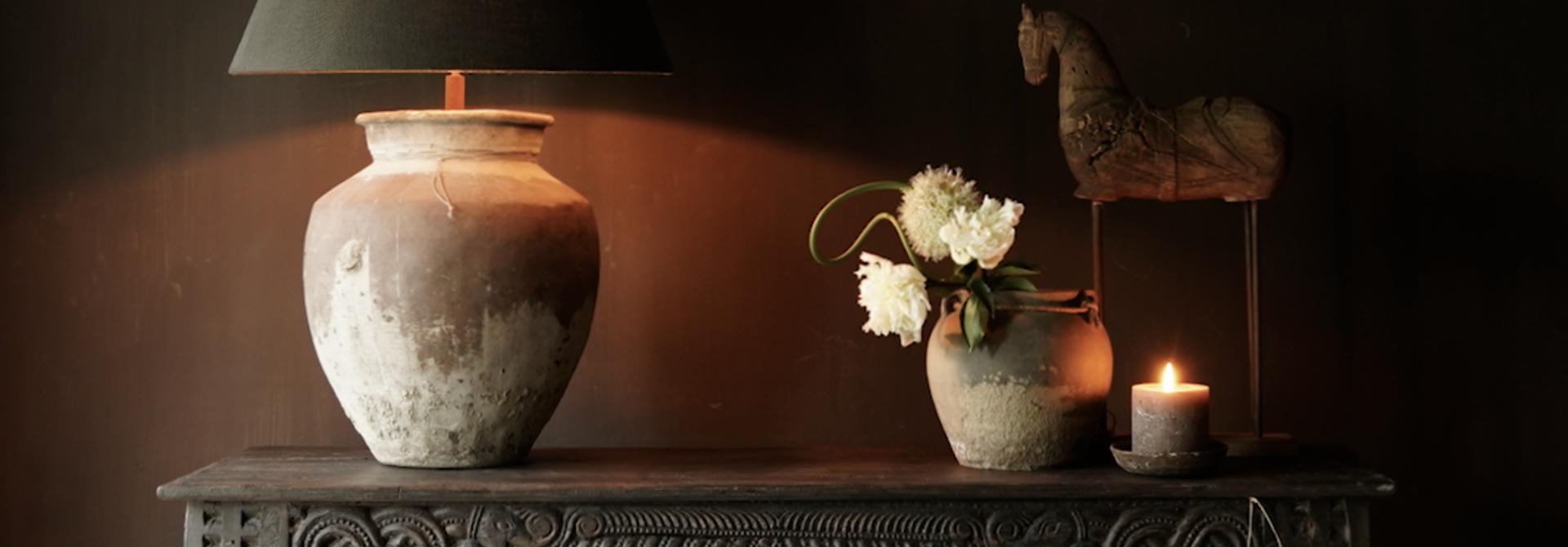 Alter antiker Wabi Sabi verwitterter Holztisch / Wandtisch aus Holz