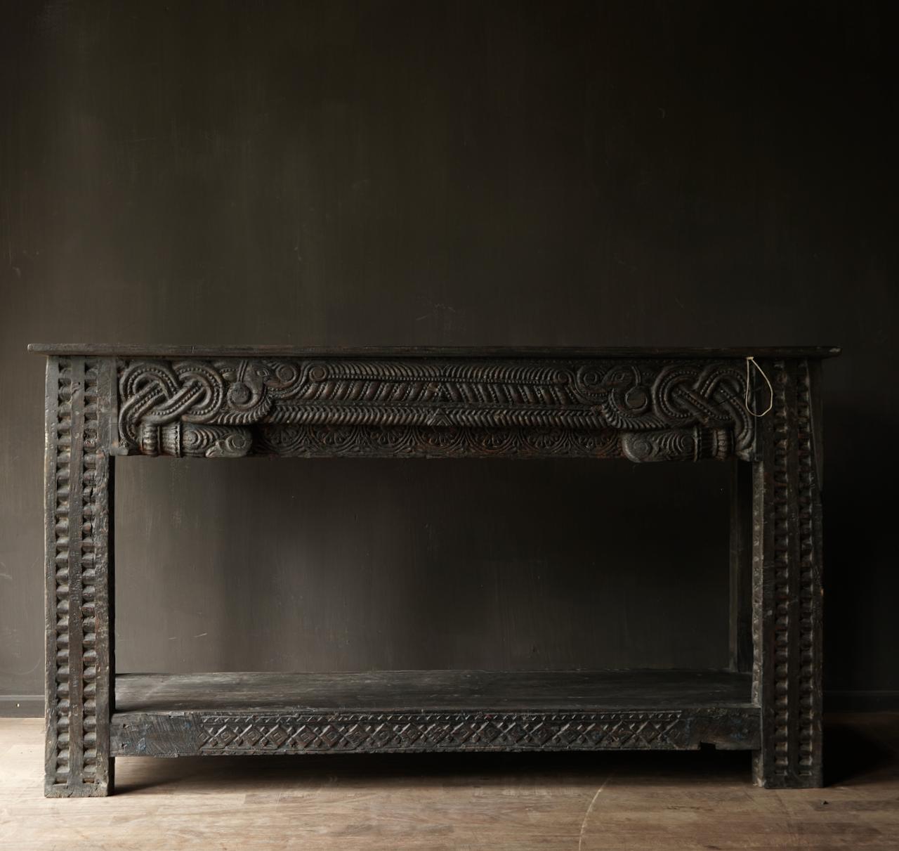 Alter antiker Wabi Sabi verwitterter Holztisch / Wandtisch aus Holz-2