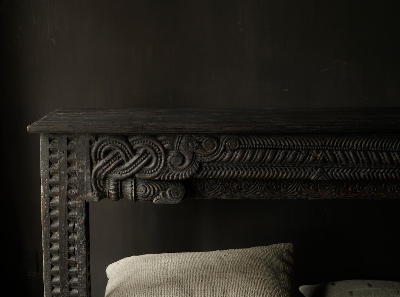 Alter antiker Wabi Sabi verwitterter Holztisch / Wandtisch aus Holz-5