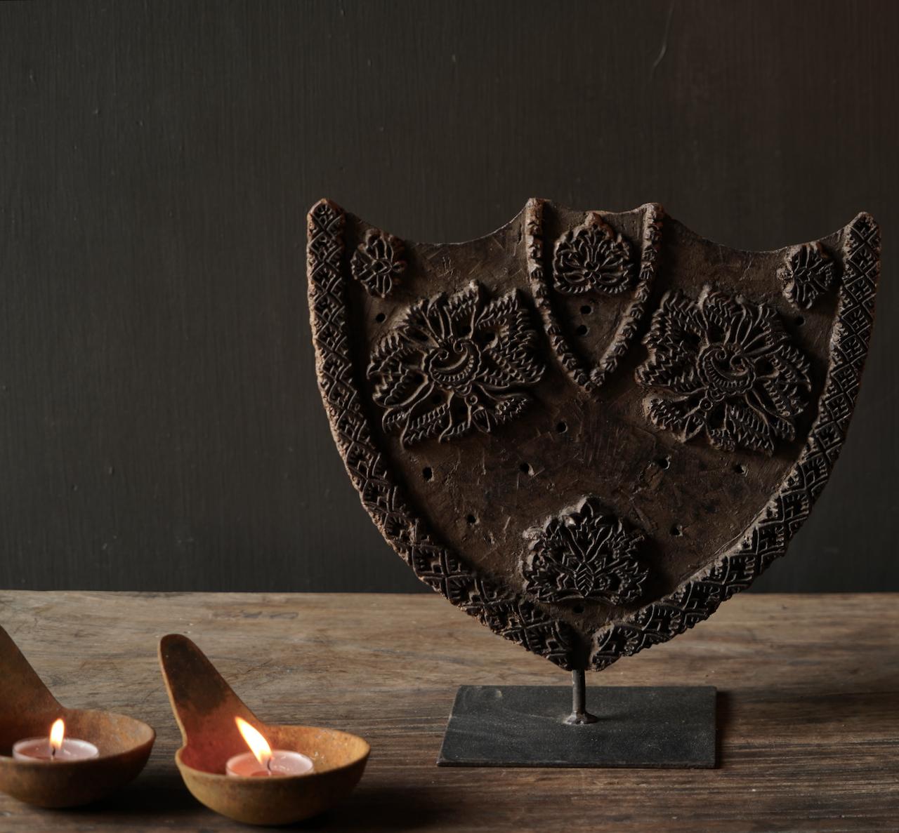 Houten batik stempel op ijzeren voetje-2